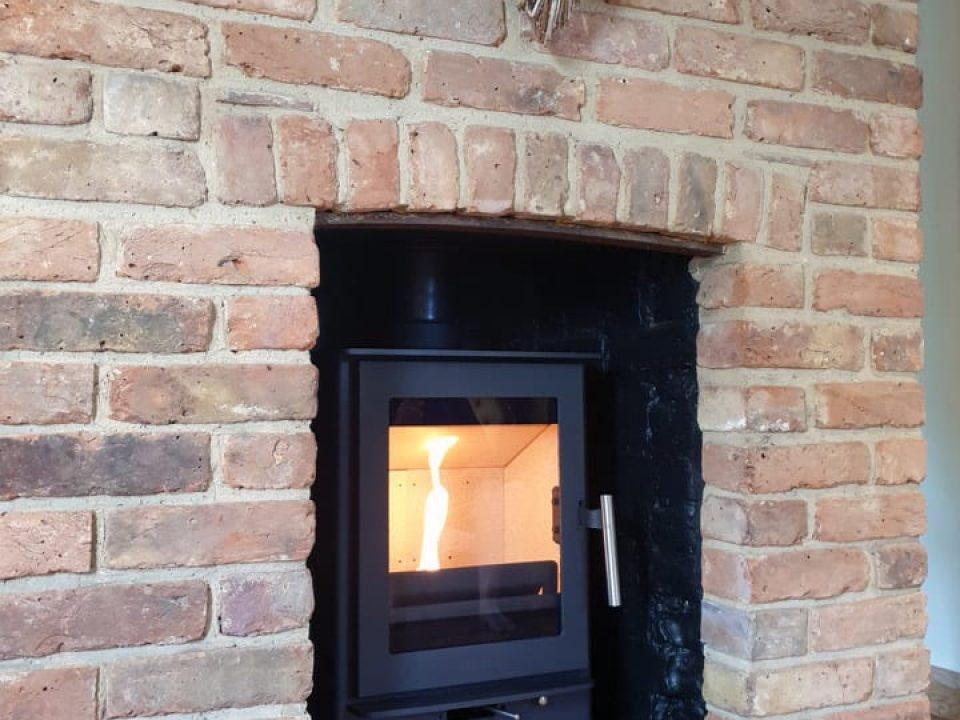 Heta-inspire-stove-installation-white-roding_1