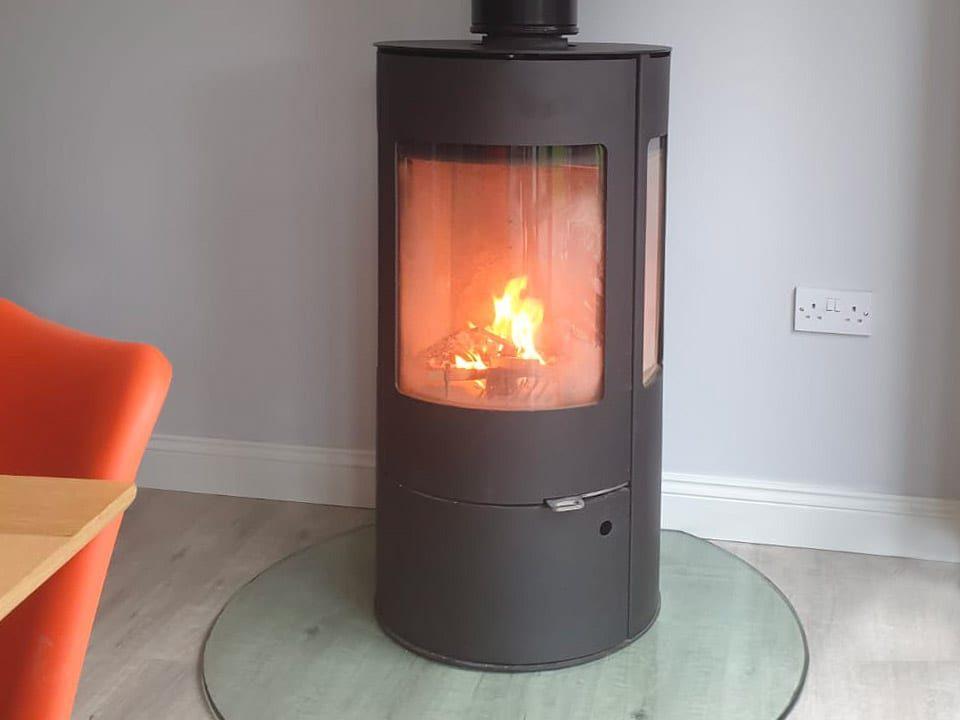 Westfire-uniq-stove-installation1